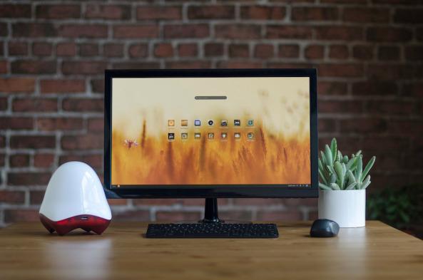 Una nueva generación de computadoras precargada con contenido valioso y lista para usar incluso sin conexión a internet